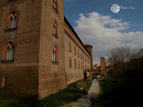 Pavia  #lovephoto #photooftheday #bw #nature #model #springday #lightness #fantasy #takeapictures #girlphoto #dayphoto #nina #fotografia #lovephotograph #blackandwhitephoto #tokyo #savemyistant #spring #nikon #castel #nikonphoto #italia #photolove #blacka