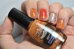 Desafio das 31 unhas #2 - Laranjas. (Raíssa S. (:) Tags: esmalte unhas nails laranja orange colorama impala realce glitter cremoso bege beige nailpolish nailpainting nailart naillacquer nikon desafiodas31unhas