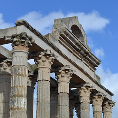 hexastyle portico (TheManWhoPlantedTrees) Tags: tmwpt nikond3100 architecture stone temple merida spain ruins