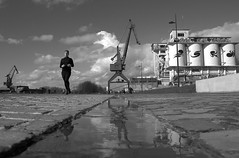 Gent (Stef VL) Tags: jogging running reflection reflectie harbor haven water