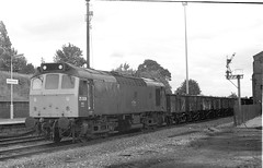 25-308-wagonsl-Kiderminster-Station-26-6-1980 edit (D1021) Tags: rat 25114 class25 coal wagons kidderminster svr britishrail br scan bw blackandwhite signal signals semaphore semaphoresignal semaphoresignals