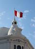 bandera (Grayson99) Tags: chiclayo tarde ciudad photo city cielo bandera perú