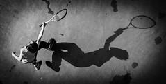 DSC_3749 (靴子) Tags: 黑白 單色 運動 網球 兒童 kid bnw bw sport child 光影