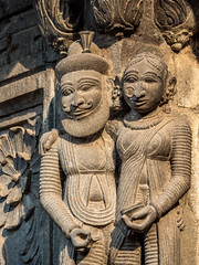 LR Madhya Pradesh 2018-2240164 (hunbille) Tags: birgittemadhyapradesh20182lr ghat ahilyabai ghats ahilyabaighat india madhya pradesh madhyapradesh maheshwar narmada river holy ahilya palace fort stone carving akhileshwar temple