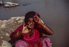 Woman in the holy city of Pushkar (rvjak) Tags: inde india asia asie f3 nikon pushkar water eau lake lac holy city ville sainte portrait argentique film pellicule rajasthan rock river rocher rivière color couleur bracelet