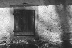 closed4theday#2 (ralfdaenicke) Tags: blackandwhite blackwhite bw houses buildings haus häuser schatten shadows old vintage historic alt historisch detail germany deutschland walls mauern wand wände pentax k3 fenster windows holz wood
