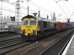66534 (Rob390029) Tags: 66534 freightliner class 66 doncaster railway station don train track tracks rail rails travel travelling transport transportation transit ecml east coast mainline