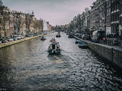 Amsterdam - Grachten (michaelhertel) Tags: amsterdam holland netherland people boat water river travel reise urlaubb