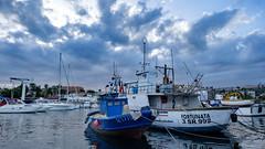 Catania - Il porto di Ognina (gRom62) Tags: paesaggio hdr colore mare porto imbarcazioni peschereccio landscape colors sea ships bluehours ngc harbor
