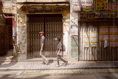X02T4246 (kingston Tam) Tags: street life human streetscenes city photojournalism streetphotography people door gate walk walker pedestrian fujifilmxt1 soho bar