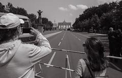 Berlin, Mai 2018: der Rufer (killerhippie foto) Tags: brandenburgertor berlin bullen demo demonstration deutschland gegend mitte orte stopptafd strasedes17juni de