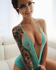 830 (Redbelleu) Tags: tattoos tattoo girlswithtattoos girls hot photo seduction sexy inked ink