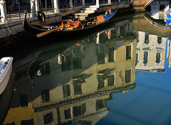 Riflessi a Venezia (giannipiras555) Tags: riflessi gondola venezia colori