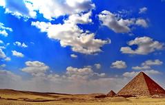 Sky of Giza (gerard eder) Tags: world travel reise viajes africa egypt egipto ägypten cairo giza gizeh piramides pyramiden pyramides paisajes panorama landscape landschaft natur nature naturaleza clouds nubes wolken outdoor