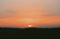Sunset in val d'Orcia (michele.palombi) Tags: valle orcia tuscany film 35mm kodak ektar100