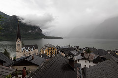 HALLSTATT-(AUSTRIA)-28 (Fotoencuadre Miguel Alvarez) Tags: hallstatt austria tirol pueblomasbonitoalladodeunlago montañas alpes lago pueblo europa montaña elpueblomasbonitodelmundoalladodeunlago unesco bruma casasdemadera