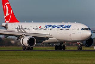 Airbus A330-200 Turkish Airlines TC-JIM MSN 903