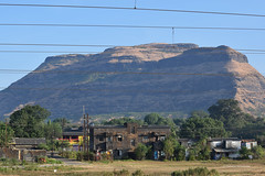 Igatpuri (Debatra) Tags: igatpuri cr centralrailway maharashtra mumbai bombay mumbaidivision cstm cstmdivn railways railroad rail hills mountain westernghats sahyadri india d3300 nikon nikkor 55200 55200mm sky skyporn brown