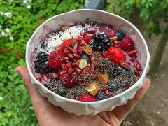 Acai Bowl with raspberry, strawberry, blackberry, pomegranate, almond and chia (marcoverch) Tags: köln nordrheinwestfalen deutschland de acaibowl raspberry strawberry blackberry pomegranate almond chia fruit obst food lebensmittel bowl schüssel healthy gesund berry beere sweet süss health gesundheit diet diät noperson keineperson nutrition ernährung erdbeere closeup nahansicht summer sommer nature natur delicious köstlich garden garten grow wachsen refreshment erfrischung leaf blatt tasty lecker tamron fountain dragonfly camera italia noiretblanc maitreya roses farm sport
