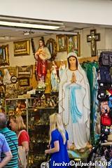 Lourdes 215-A (José María Gil Puchol) Tags: aquitaine basilique boutique catholique cathédrale cierge eaumiraculeuse fidèle france josémariagilpuchol lourdes paysbasque prière pélèrinage religion vierge