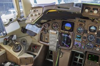 BA 767 G-BNWB Cockpit