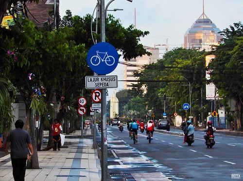 Jalur Pedestrian dan Lajur Sepeda