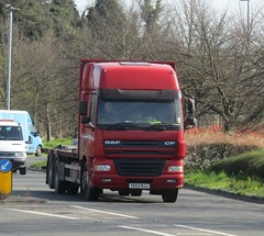 YE52 RJJ at Welshpool (Joshhowells27) Tags: lorry daf cf unmarked flatbed