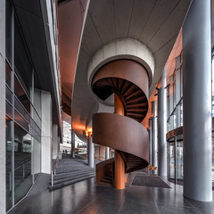 Stairs @ EMC (Jan Hoogendoorn) Tags: nederland netherlands holland dutch rotterdam trap strairs vormen shapes emc dijkzicht erasmusuniversitymedicalcenter erasmusmc erasmusmedischcentrum