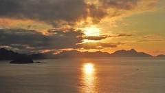 Rio de Janeiro - AMANHECER (sileneandrade10) Tags: sileneandrade rio riodejaneiro amanhecer sunrise sunset pôrdosol mar sol céu praia nikon