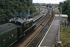 GWR 2-6-2T 6106 passing Drayton Green (TrainsandTravel) Tags: england angleterre standardgauge steamtrains voienormale trainsavapeur dampfzug normalspur britishrailwayswesternregion draytongreenhalt gwr 262t 61xx 6106