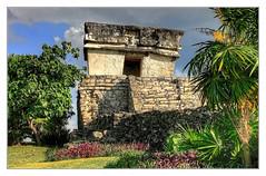 Tulum MEX - Templo del Dios Descendente 03 (Daniel Mennerich) Tags: tulum precolumbian maya quintanaroo mexico