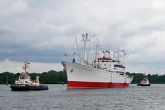 P1610163 (Lumixfan68) Tags: schiffe ships schlepper museumsfrachter cap san diego nordostseekanal schleppverband frachter