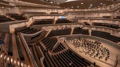 Konzertsaal Elbphilharmonie vor dem Konzert (p.schmal) Tags: panasonicgx80 hamburg elbphilharmonie konzertsaal