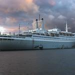 oud-cruise-schip-de rotterdam.jpg thumbnail