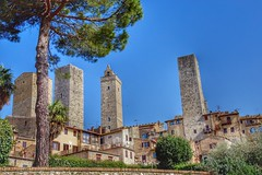 San Gimignano. Tuscany, Italy (mtm2935) Tags: flickrsbest romantic buildings architecture medieval wineregion wine italy hilltown tuscany