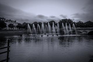 Jets d'eau sur la Mayenne