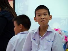 P6223023 (ybbuc) Tags: thailand chachoengsao student uniform ears boy thai school