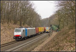 RTB 186 258+containertrein, Venlo, 2-3-2018