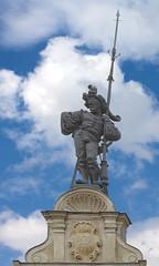 at the top . . . (Heinz Rührnschopf) Tags: himmel architektur statue steinmetzarbeit stuckrelief wolken