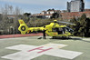 061 URXENCIAS SANITARIAS (Andreu Anguera) Tags: heliport helipuerto hospitalprovincial conxo santiagodecompostela 061 urxenciassanitarias helicóptero helicòpter ec135t2 ecize andreuanguera