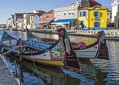 """Barcos """"moliceiros"""", Aveiro (Portugal) (Miguelanxo57) Tags: agua barcas moliceiros canal aveiro portugal"""