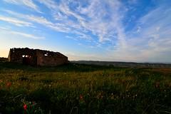 RUINA !! (alfredo2057) Tags: alfredo azul senderismo sol paredes flores vegetacion nikon luz navarra nubes color monte cielo campo casa