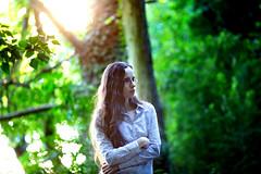 _MG_9982-Modifier.jpg (stringox) Tags: clubphoto portrait bois foret femme brune bokeh ef135f2 canon6d canon 6d regerd regard soir soleil sun