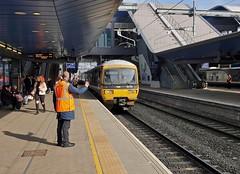 """Right, Away"" (Deepgreen2009) Tags: reading staff station gwr turbo newbury platform railway wave signal away departure hivis"