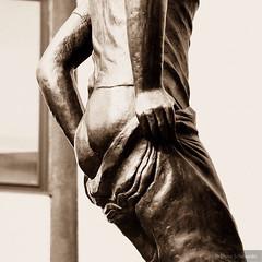 Ein schöner Rücken kann auch entzücken. (iLikePhotos!) Tags: closeups gm5 lumix panasonic sepia city figure statue antwerp bronze antwerpen belgien belgium photohopexpress