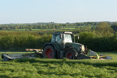 Fendt 820 Vario Tractor with Claas Disco 9200C & 3100FC Mower Conditioner (Shane Casey CK25) Tags: fendt 820 vario tractor claas disco 9200c 3100fc mower conditioner agco green castlelyons traktor traktori tracteur trekker trator ciągnik silage silage18 silage2018 grass grass18 grass2018 winter feed fodder county cork ireland irish farm farmer farming agri agriculture contractor field ground soil earth cows cattle work working horse power horsepower hp pull pulling cut cutting crop lifting machine machinery nikon d7200