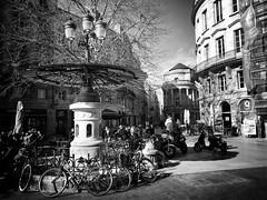 Bordeaux (Desmo.fr) Tags: iphone apple bike velo monument bordeaux france