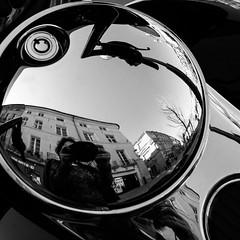 Autoportrait (franleru1) Tags: 1x1 aixenprovence france francoiselerusse olympus photoderue streetphotography bike blackandwhite ennoiretblanc monochrome noiretblanc urbain urban