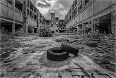 Ruins of industry (ronnymariano) Tags: 2018 urbex decay damaged old tires industry detroit abandoned monochrome obsolete dirty ruined ruins architecture autofactory broken blackandwhite bnw packard