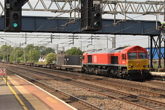 DBC 66027 @ Rugeley Trent Valley (ianjpoole) Tags: db cargo class 66 shed 66027 working 4l69 trafford park euro terminal london gateway